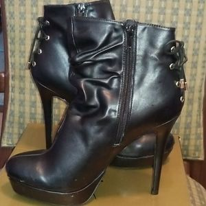 Used Womens ankle boots